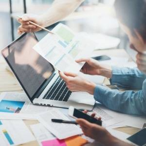 Employers, including small businesses, should be made to report more detailed superannuation guarantee (SG) information to the Australian Taxation Office (ATO) more frequently, according to the Australian Institute of Superannuation Trustees (AIST). The i