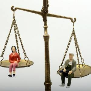 There has been a definite closing of the financial advice gender gap, with women catching up to men in the overall number of statements of advice (SOAs) issued, as well as total funds under administration (FUA) and average FUA per user, according to Decim